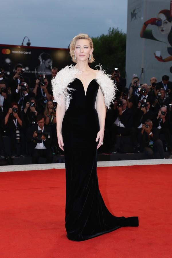 Cate Blanchett veste Armani Privé (Foto: Getty Images)