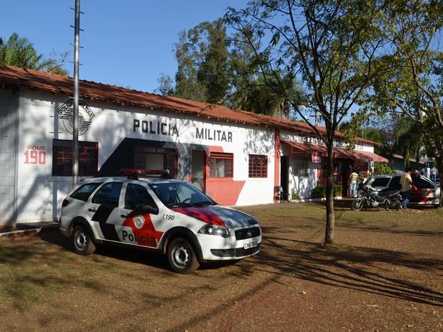 Polícia Militar mantém base dentro do Parque do Peão (Foto: João Pitombeira/G1)