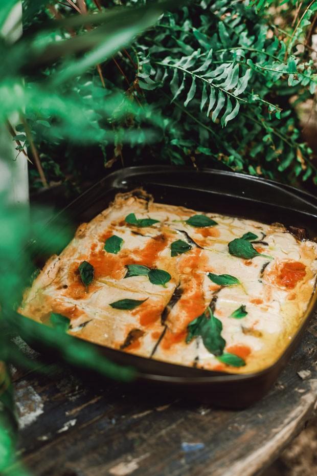 Lasanha low carb vegana leva só ingredientes saudáveis (Foto: Simplesmente)