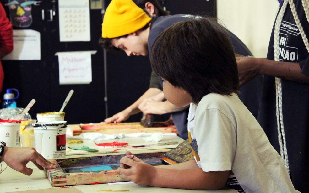"""Crianças participam de atividade do """"Programa CCBB Educativo – Arte e Educação"""" em Brasília — Foto: CCBB Educativo/Divulgação"""