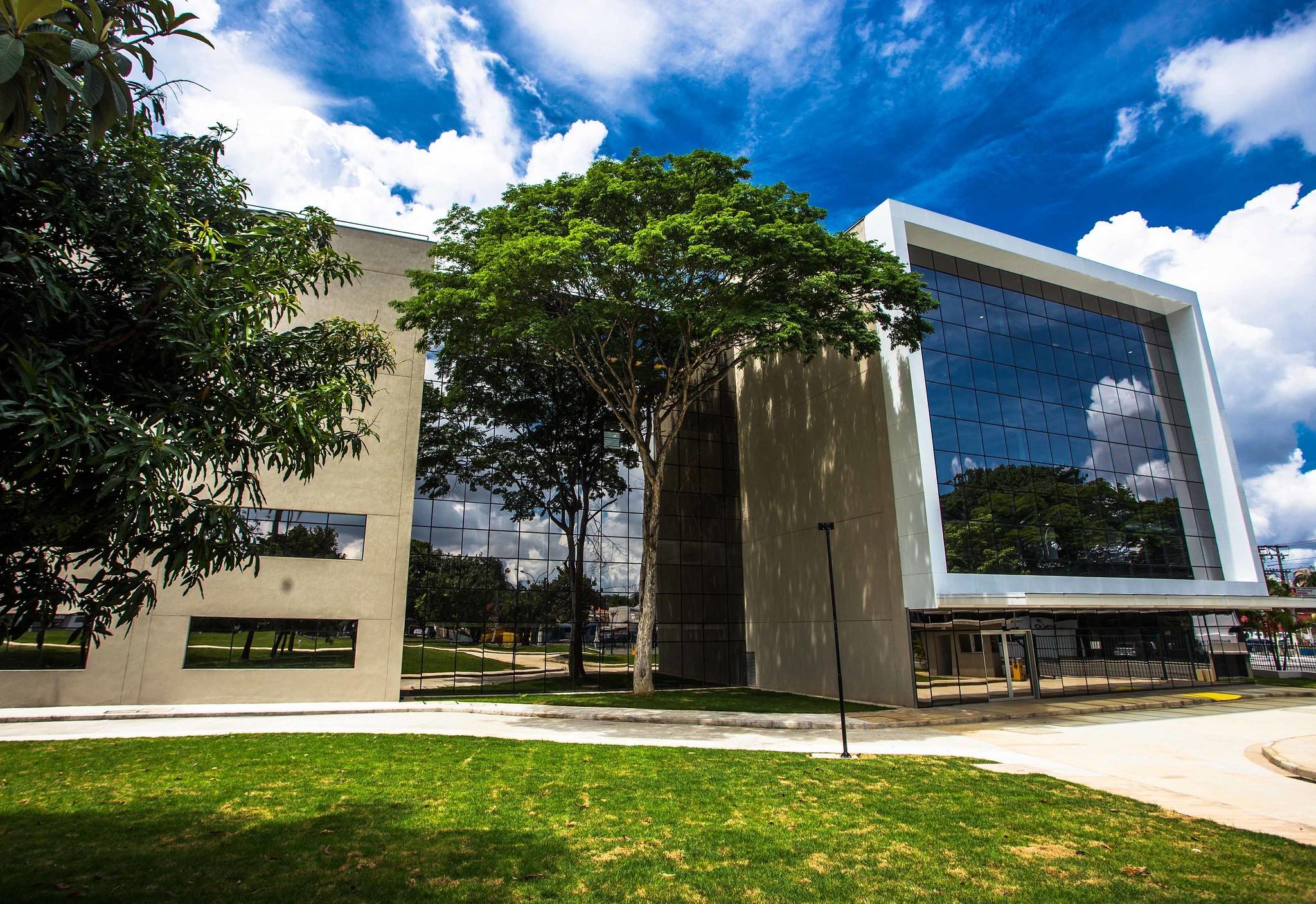 MP abre inquérito para apurar possíveis irregularidades na compra de aventais por órgão do governo de São Paulo