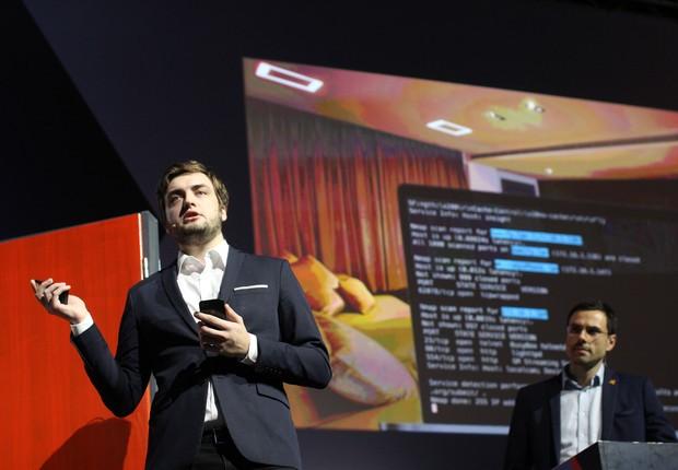 Vladislav Iliushin e Ondrej Vlcek, da Avast: casa inteligente invadida ao vivo (Foto: Felipe Maia)