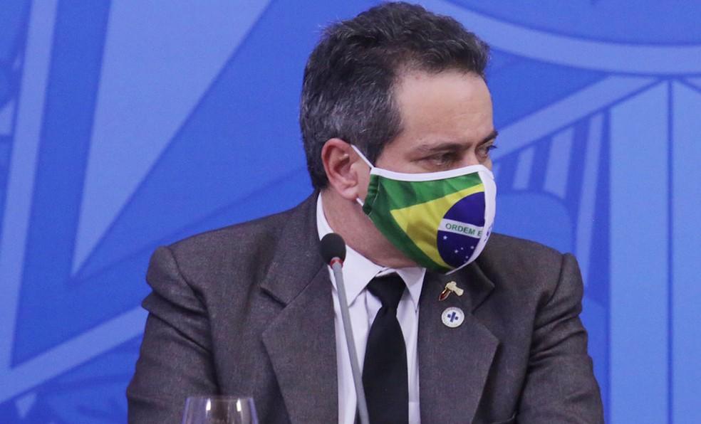 O secretário-executivo adjunto do Ministério da Saúde, Elcio Franco, durante entrevista em maio de 2020 — Foto: Wallace Martins/Futura Press/Estadão Conteúdo