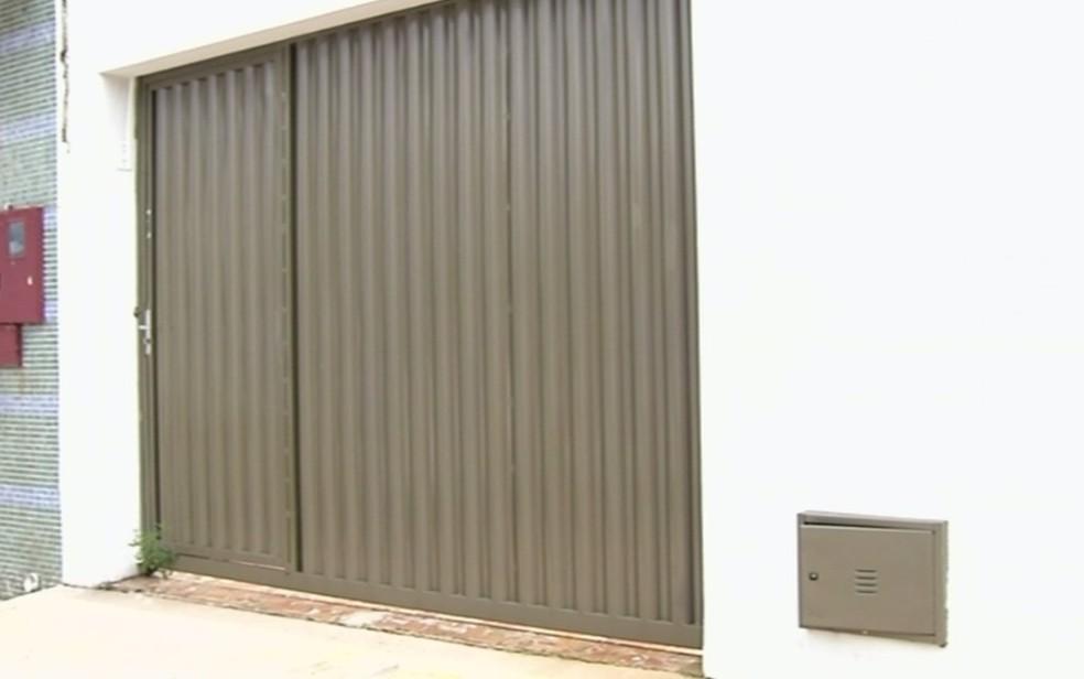 Casa estava disponível para aluguel em Anápolis (Foto: TV Anhanguera/ Reprodução)