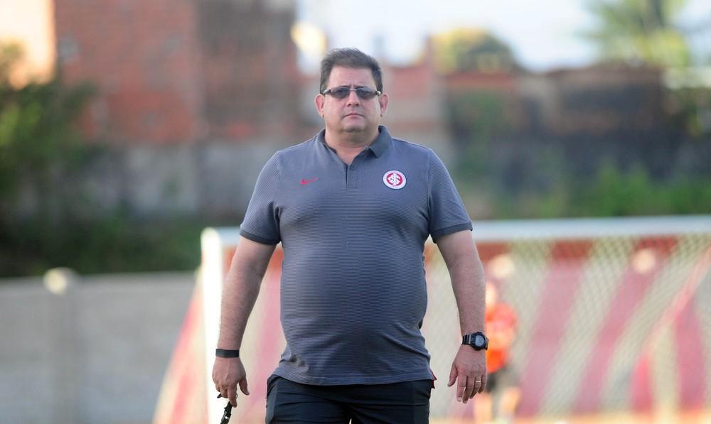 Inter bate Paysandu e assume liderança da Série B