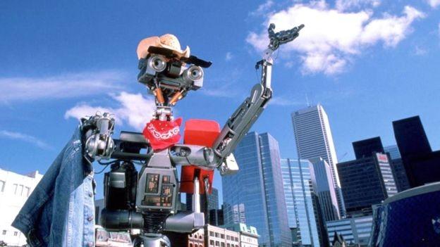 O Número 5, do filme 'O incrível robô', sabia que ele não era uma máquina qualquer (Foto: TRISTAR PICTURES / SONY PICTURES/BBC)