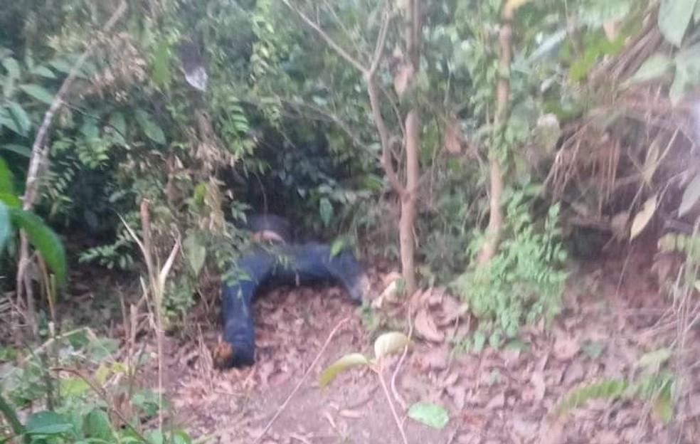 Corpo de Edvaldo foi encontrado no meio do mato no município de Belterra — Foto: Reprodução/Redes Sociais