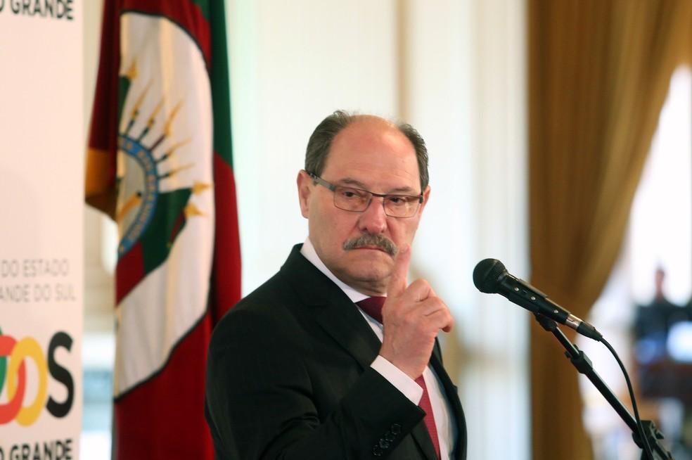 Governador durante a apresentação do plano que será encaminhado à Assembleia (Foto: Luiz Chaves/Palácio Piratini)