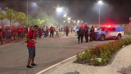 Torcedores do Flamengo são detidos por atacar hotel de rivais