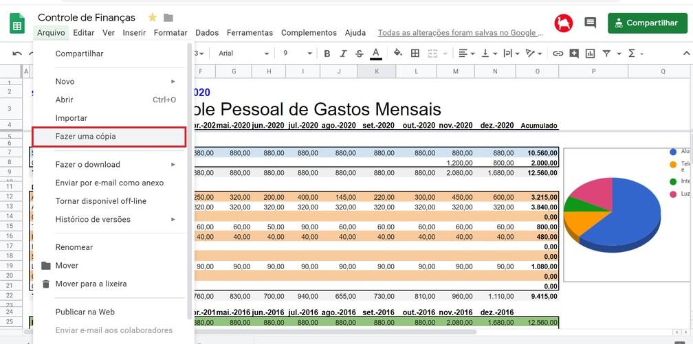 Para usar a planilha é preciso criar uma cópia com um usuário válido no Google Drive para ter acesso a sua edição — Foto: Reprodução/G1