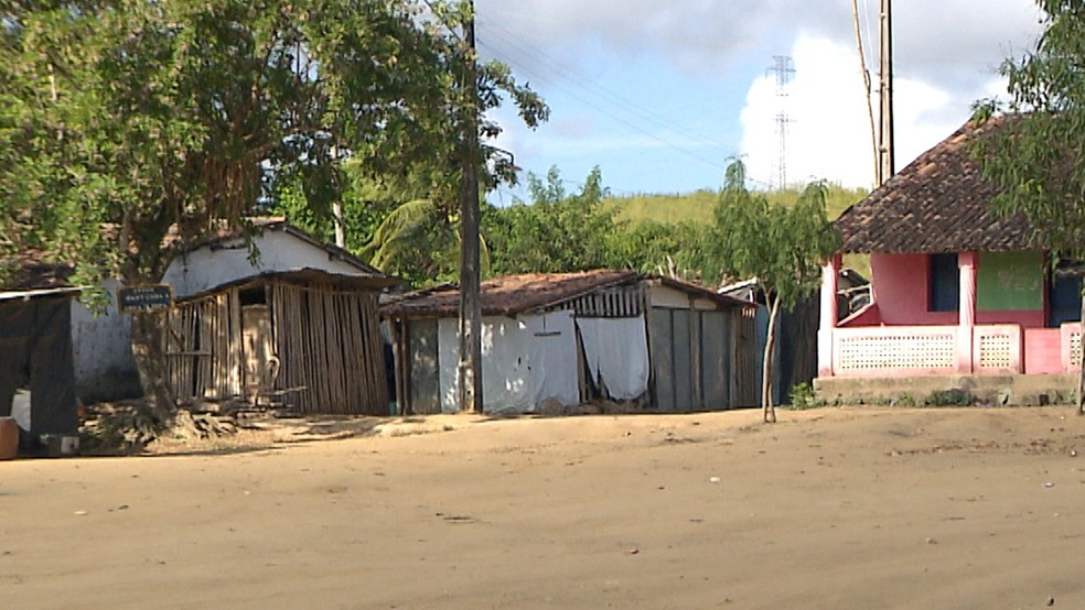 Acampamento Dom José Maria Pires foi montado em julho de 2017 na fazenda Igarapu em Alhandra, Litoral Sul da Paraíba — Foto: Reprodução/TV Cabo Branco
