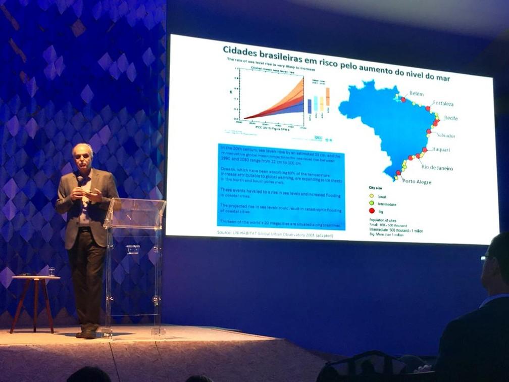 Climatologista Carlos Nobre participou do primeiro dia de evento — Foto: Maiana Belo/G1 Bahia