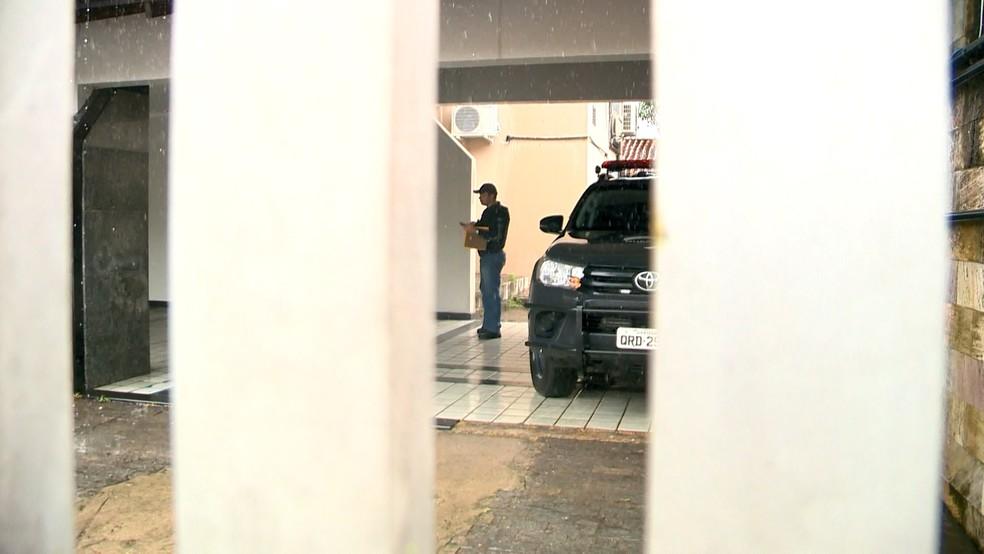 Servidores de presídios são presos suspeitos de beneficiar detentos em troca de propina — Foto: Reprodução/ TV Gazeta
