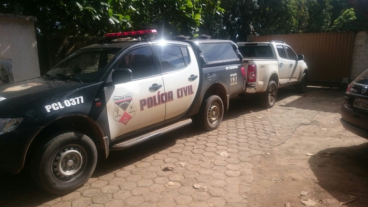 Caminhonete roubada é recuperada pela polícia em Ariquemes, RO