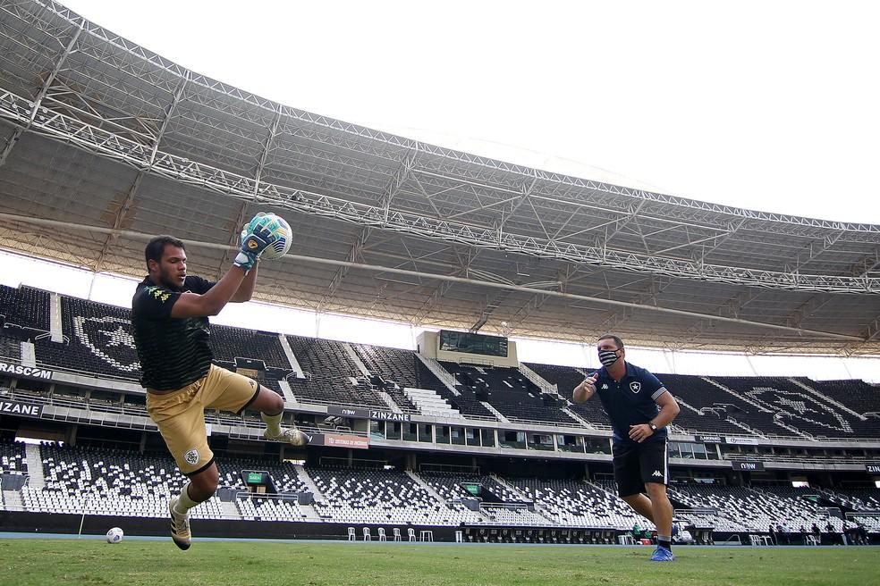 Igo antes do duelo Botafogo x São José-RS, jogo de ida das quartas da Copa do Brasil sub-20 — Foto: Vitor Silva/BFR