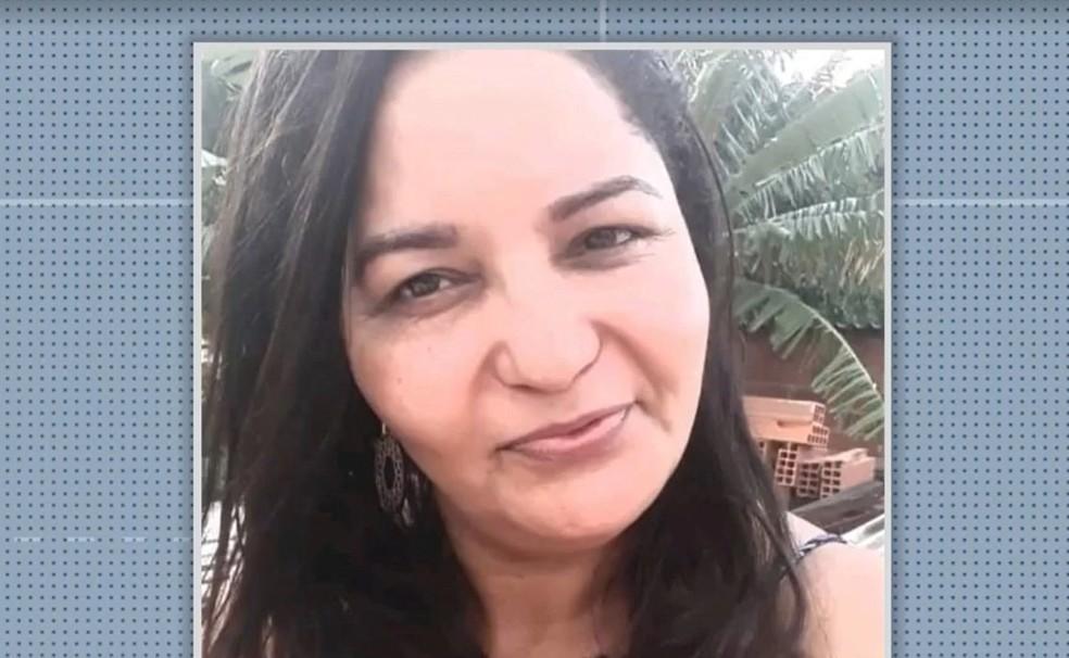A vítima foi identificada como Aureny Ferreira da Silva, tinha 46 anos e foi candidata a vereadora pelo município.— Foto: Reprodução/TV Santa Cruz