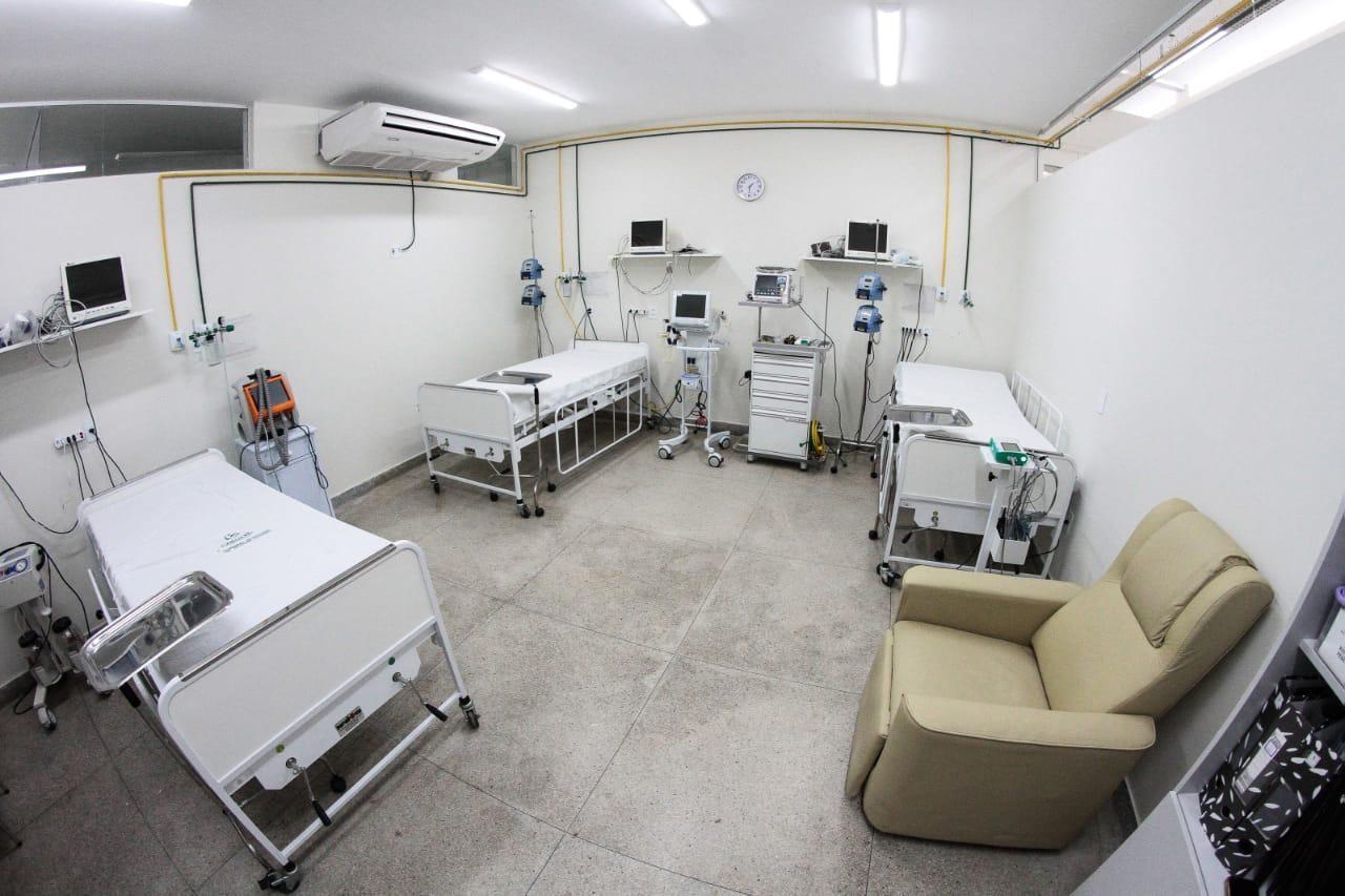 Reforma no Hospital Manoel Afonso amplia a quantidade de leitos para receber pacientes com coronavírus, em Caruaru