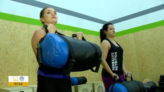 Irmãs entram na dieta, perdem 23kg juntas e mantêm parceria em prol de vida saudável