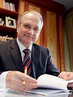 Luiz Edson Fachin: O jurista das brigas difíceis agora no STF ...