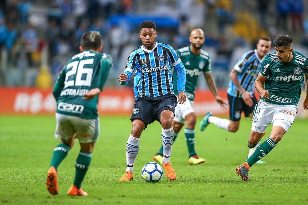 Camisa 90 ficou mais uma vez em branco contra o Palmeiras (Foto: Lucas Uebel / Grêmio, DVG)