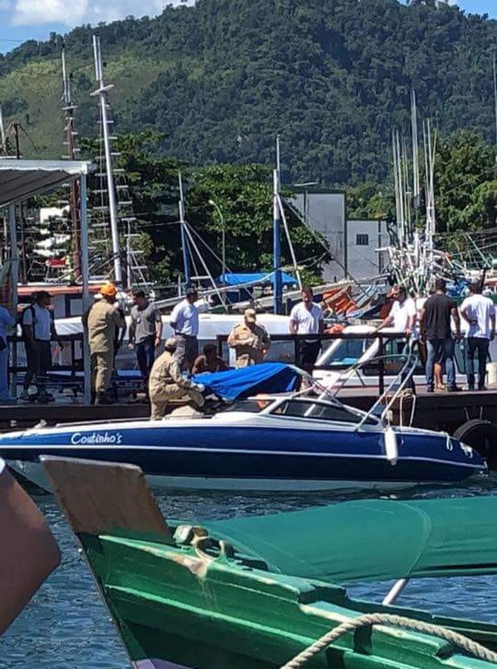 Bombeiros socorreram as vítimas no Cais Santa Luzia, em Angra (Foto: Divulgação/Redes Sociais)
