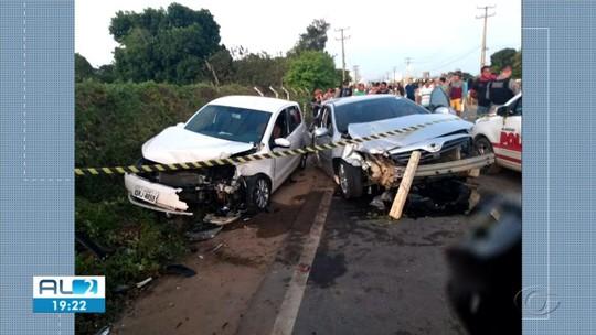Colisão entre três veículos deixa dois mortos e dez feridos em Arapiraca