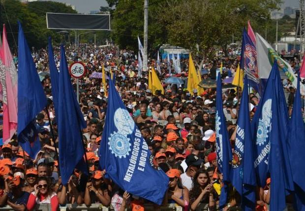 Na capital paulista, o ato pelo 1º de Maio ocorreu na Praça Campo de Bagatele (Foto: Rovena Rosa/Agência Brasil)