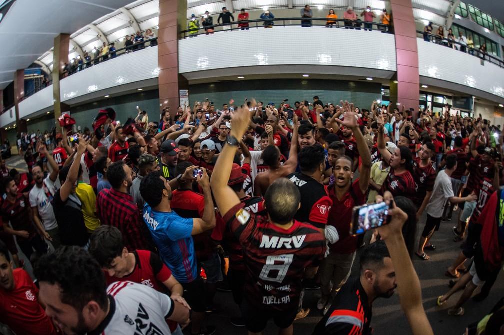 Falta de controle na chegada ao aeroporto de Salvador mudou o planejamento do Fla — Foto: Alexandre Vidal/Flamengo