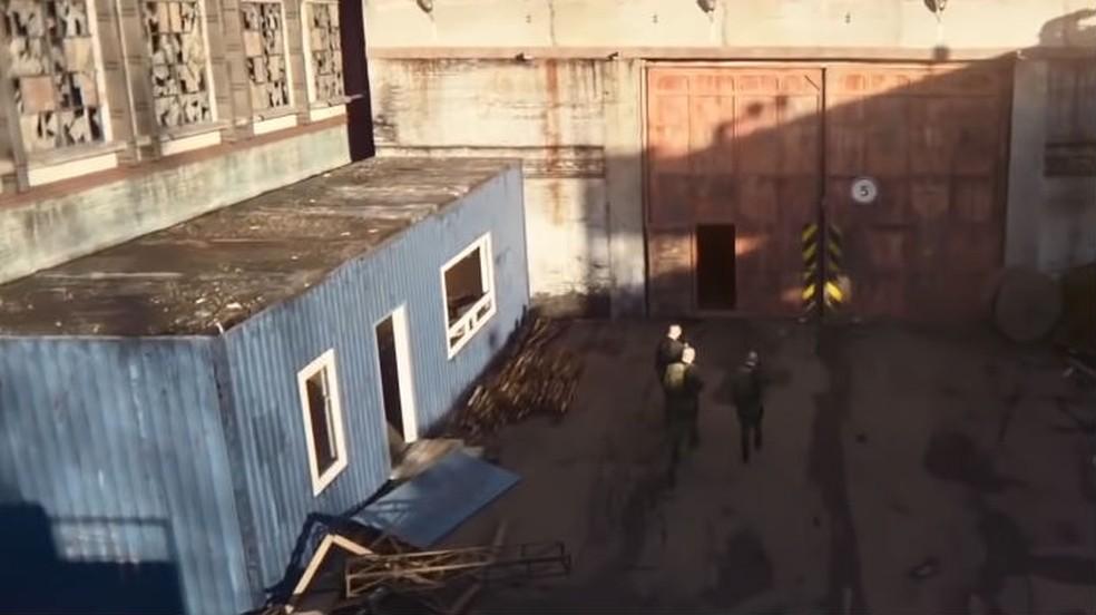 Escape from Tarkov: espaços muito abertos são perfeitos para emboscadas — Foto: Reprodução / Thomas Schulze