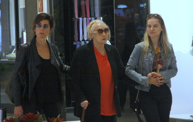 Christiane Torloni com a mãe e a nora (Foto: J HUMBERTO / AGNEWS)