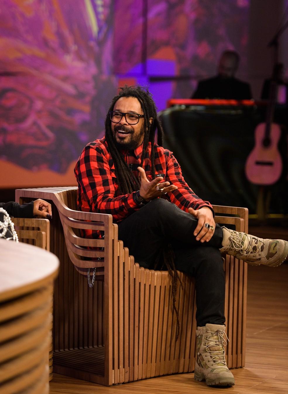 Falcão deu detalhes sobre primeiro álbum solo (Foto: TV Globo/ Ramón Vasconcellos)