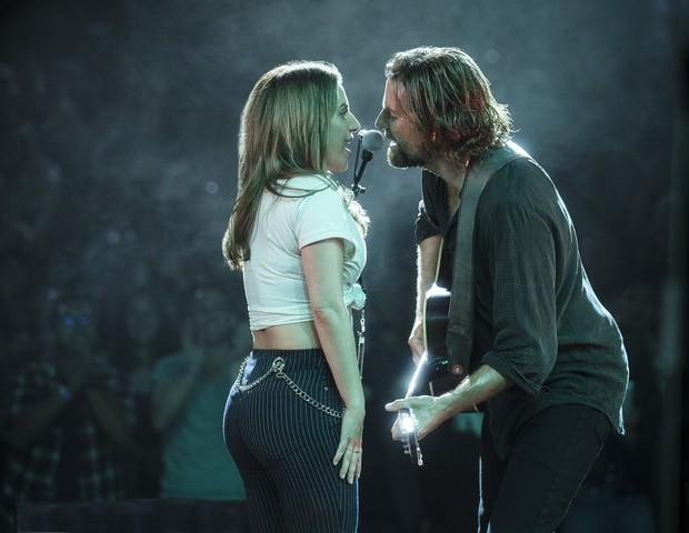 Lady Gaga e Bradley Cooper: o ator viveu o desafio de cantar ela primeira vez em um filme (Foto: Divulgação)