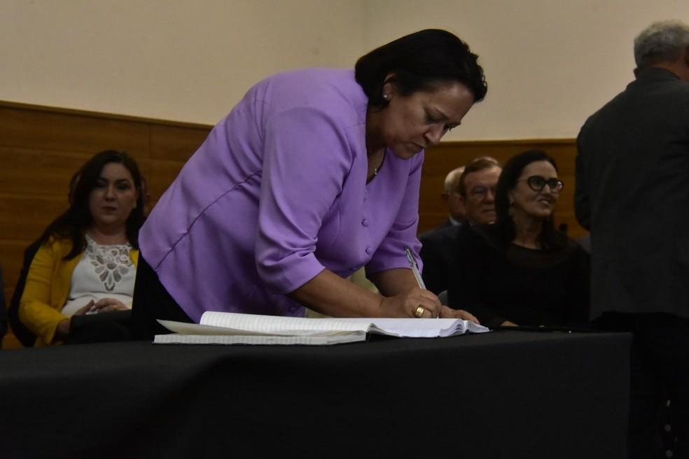 Governadora Fátima Bezerra anunciou no Twitter que prorrogará a suspensão das aulas nas escolas — Foto: Pedro Vitorino