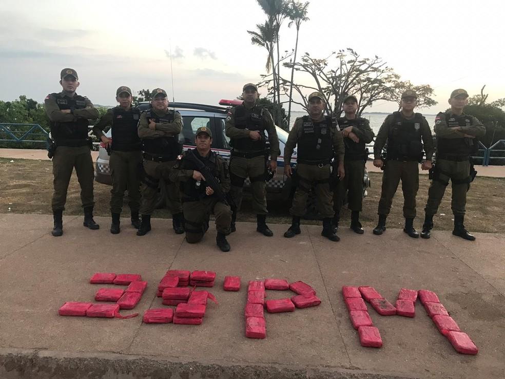 Material foi apreendido pela Polícia Militar no bairro Uruará — Foto: Polícia Militar/Divulgação