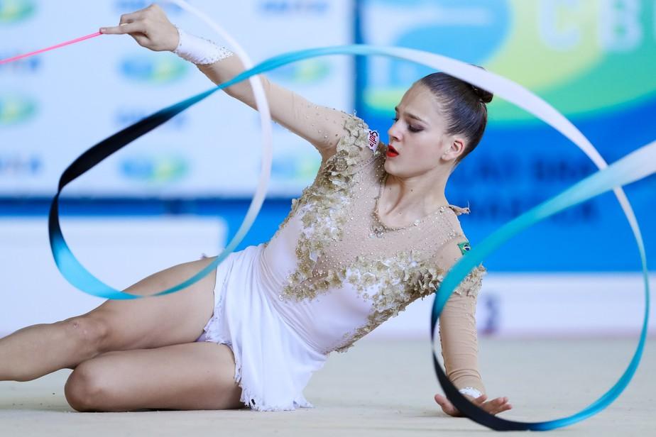 Joia a ser lapidada, ginasta de 15 anos dá nova cara ao Brasil no Mundial de GR
