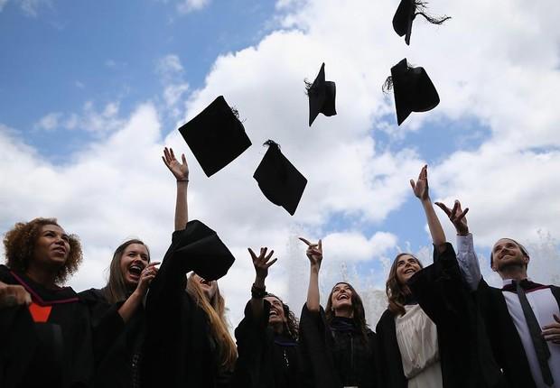 O Fies é uma das alternativas para quem quer o diploma universitário (Foto: Dan Kitwood/Getty Images)