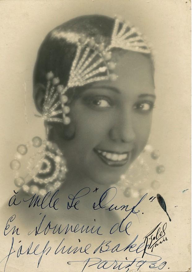 Autógrafo da cantora e dançarina Josephine Baker, de 1930 (Foto: Divulgação/Pedro Corrêa Do Lago)