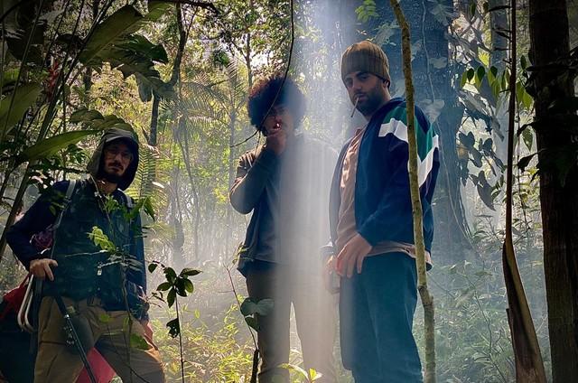 Daniel Furlan, Luis Navarro e Henrique Santana em 'Pico da Neblina' (Foto: Divulgação)