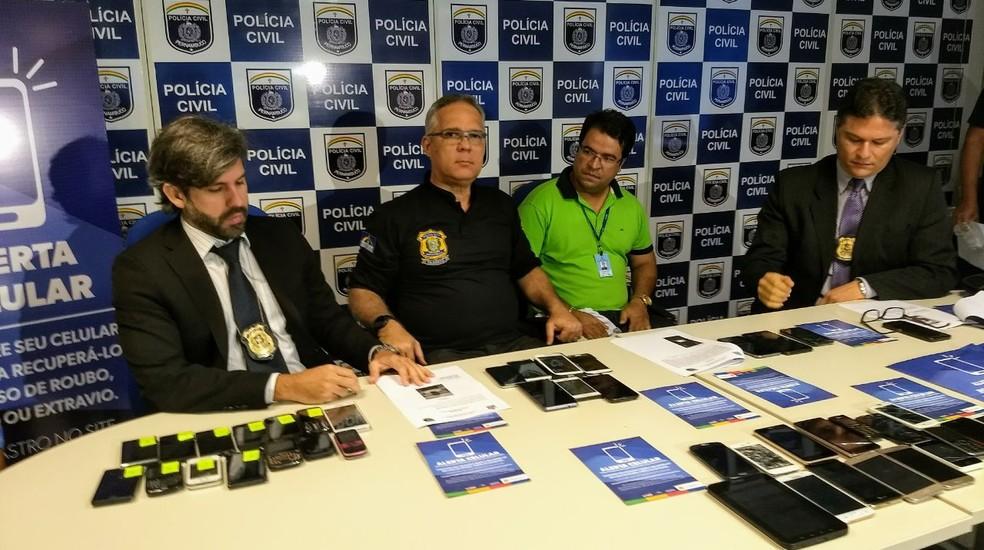 Polícia realizou ação para apreender celulares roubados no centro do Recife (Foto: Divulgação/Polícia Civil)