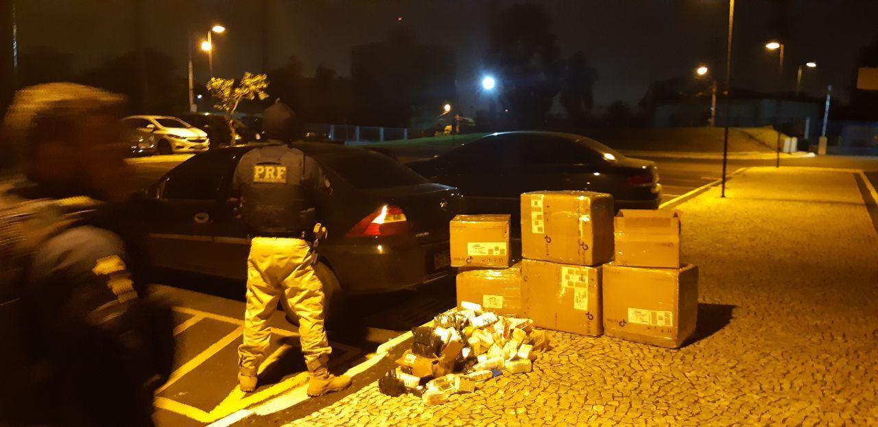 Carro carregado com medicamentos importados ilegalmente do Paraguai é apreendido na BR-277, diz PRF - Notícias - Plantão Diário
