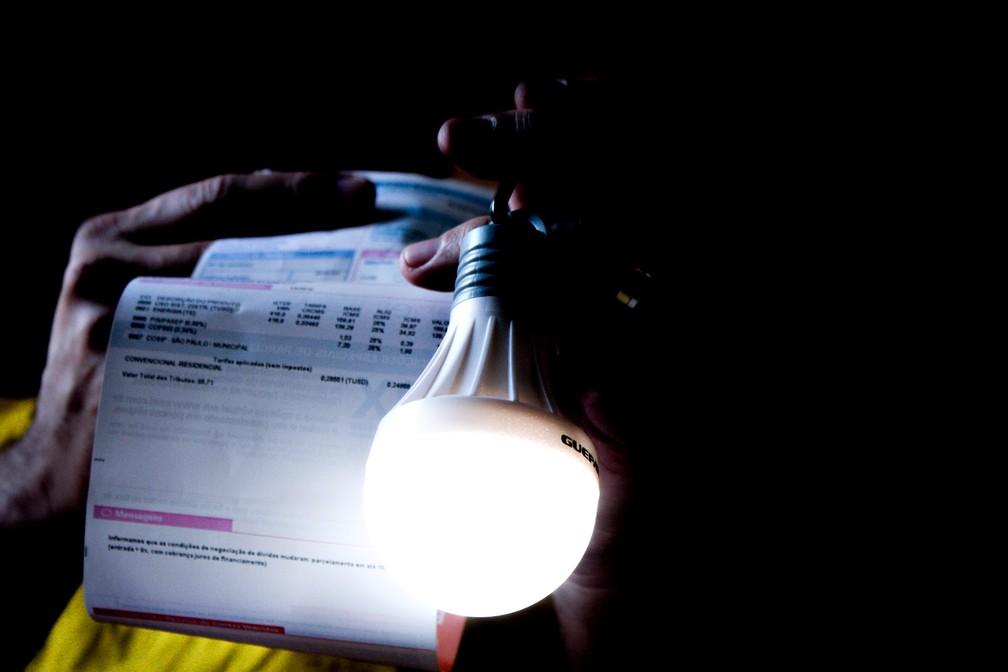 Foto ilustrativa da conta de luz em São Paulo. — Foto: ADRIANA TOFFETTI/A7 PRESS/ESTADÃO CONTEÚDO