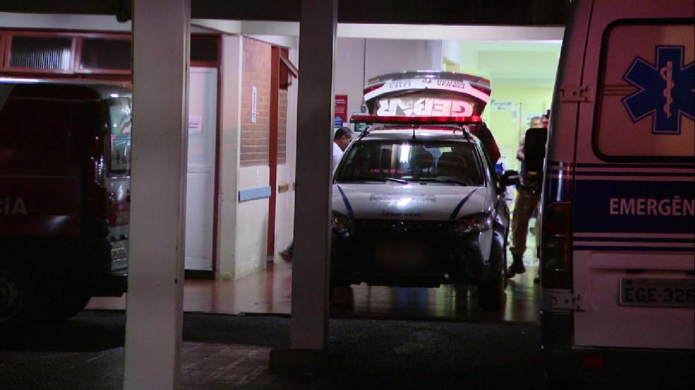 -  Homem foi levado para Hospital de Clínicas da Universidade Federal de Uberlândia  HC-UFU   Foto: TV Integração/ Reprodução