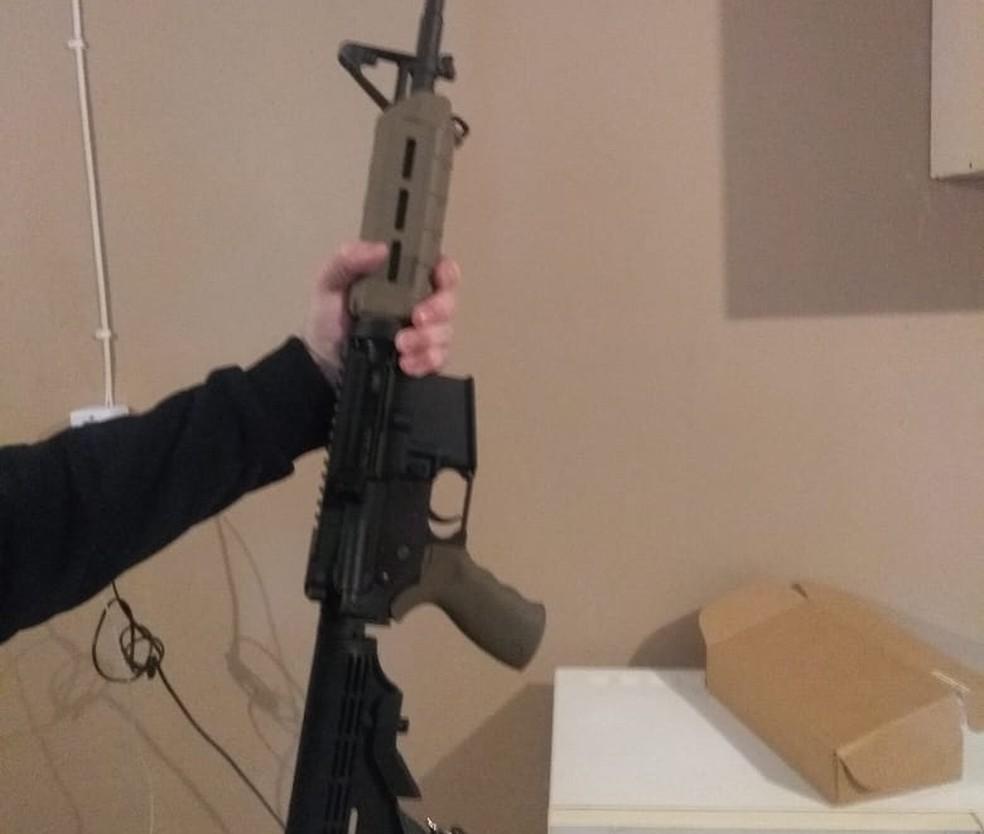 Armamento de grosso calibre foi apreendido em Parobé (Foto: Polícia Civil/divulgação)