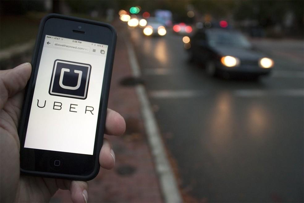 -  Aplicativo da Uber instalado em smartphone.  Foto: Divulgação
