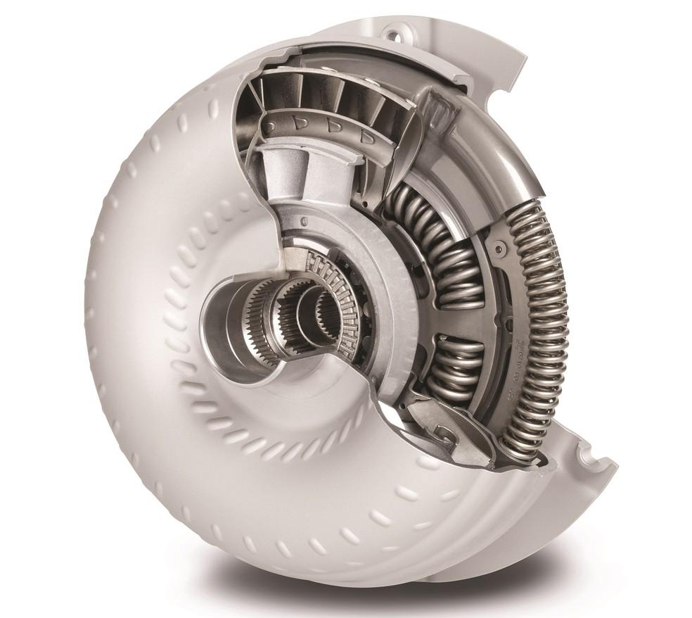 O conversor de torque (em corte) faz o mesmo papel da embreagem, mas provoca perdas de energia — Foto: Divulgação