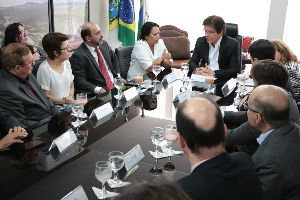 Robinson Faria (PSD) e Fátima Bezerra (PT) se encontraram nesta terça-feira (6) para tratar sobre transição do governo no RN — Foto: Rayane Mainara/Governo do RN
