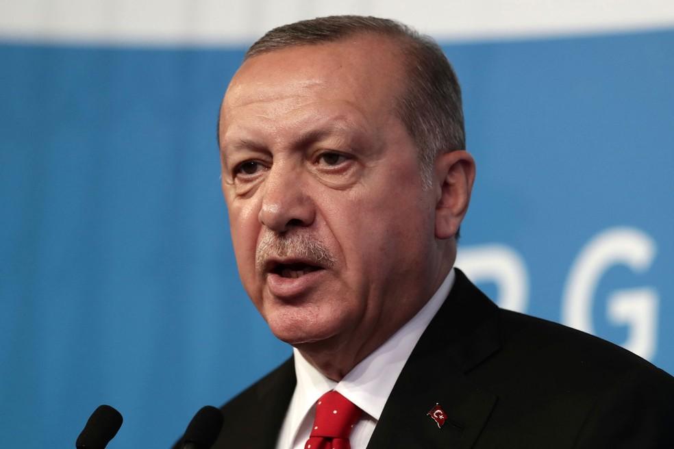 O presidente da Turquia, Recep Tayyip Erdogan, participa de entrevista coletiva no segundo dia do encontro do G20 em Buenos Aires neste sábado, dia 1º de dezembro de 2018  — Foto: Aljandro/AFP