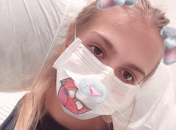 Isa Scherer vai para o hospital, mas faz piada (Foto: Reprodução/Instagram)