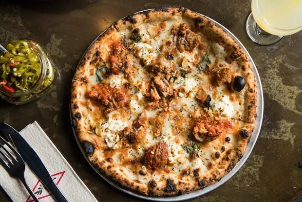 19 lugares incríveis para comer pizza em Nova York (Foto: Evan Sung)