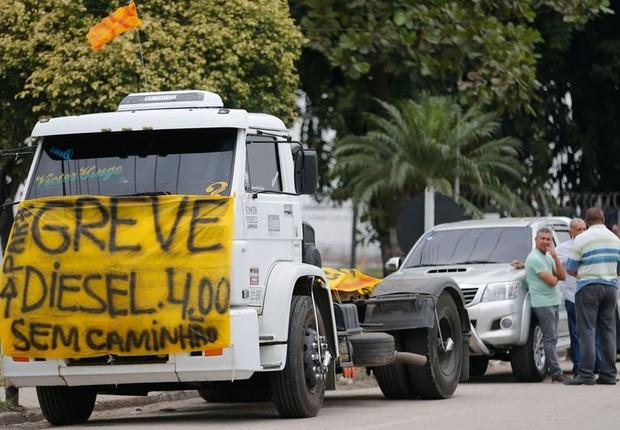 Protesto de caminhoneiros contra o preço dos combustíveis (Foto: Fernando Frazão/Agência Brasil)